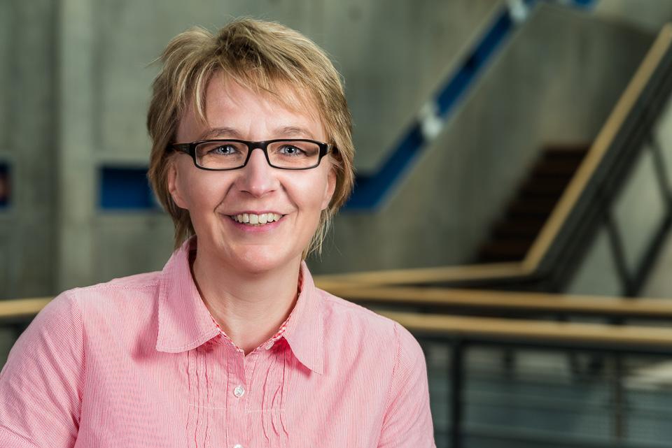 Dr. Kirsten Kerkhoff